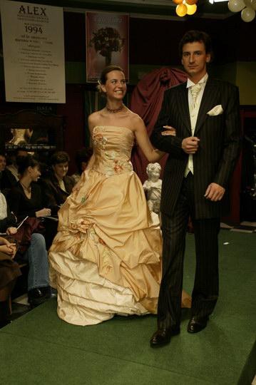 moda - suknie ślubne i garnitury, pokaz mody ślubnej, najnowsze kolekcje, najmodniejsze suknie i garnitury