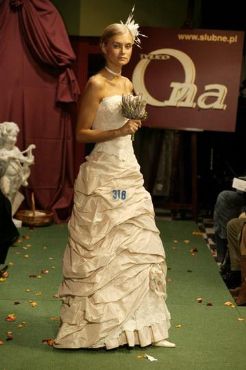 suknie ślubne - wieczorowe i garnitury i smokingi, pokaz mody ślubnej, najnowsze kolekcje, najmodniejsze suknie i garnitury