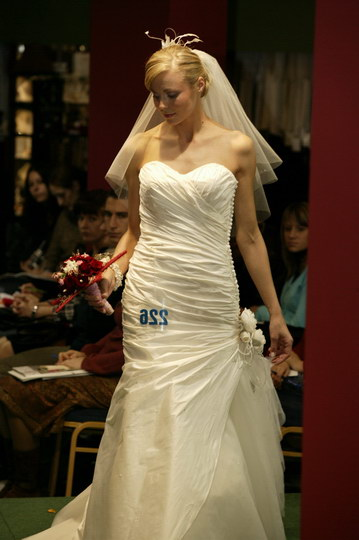 najnowsze kolekcje: suknie ślubne i garnitury, pokaz mody ślubnej, najnowsze kolekcje, najmodniejsze suknie i garnitury